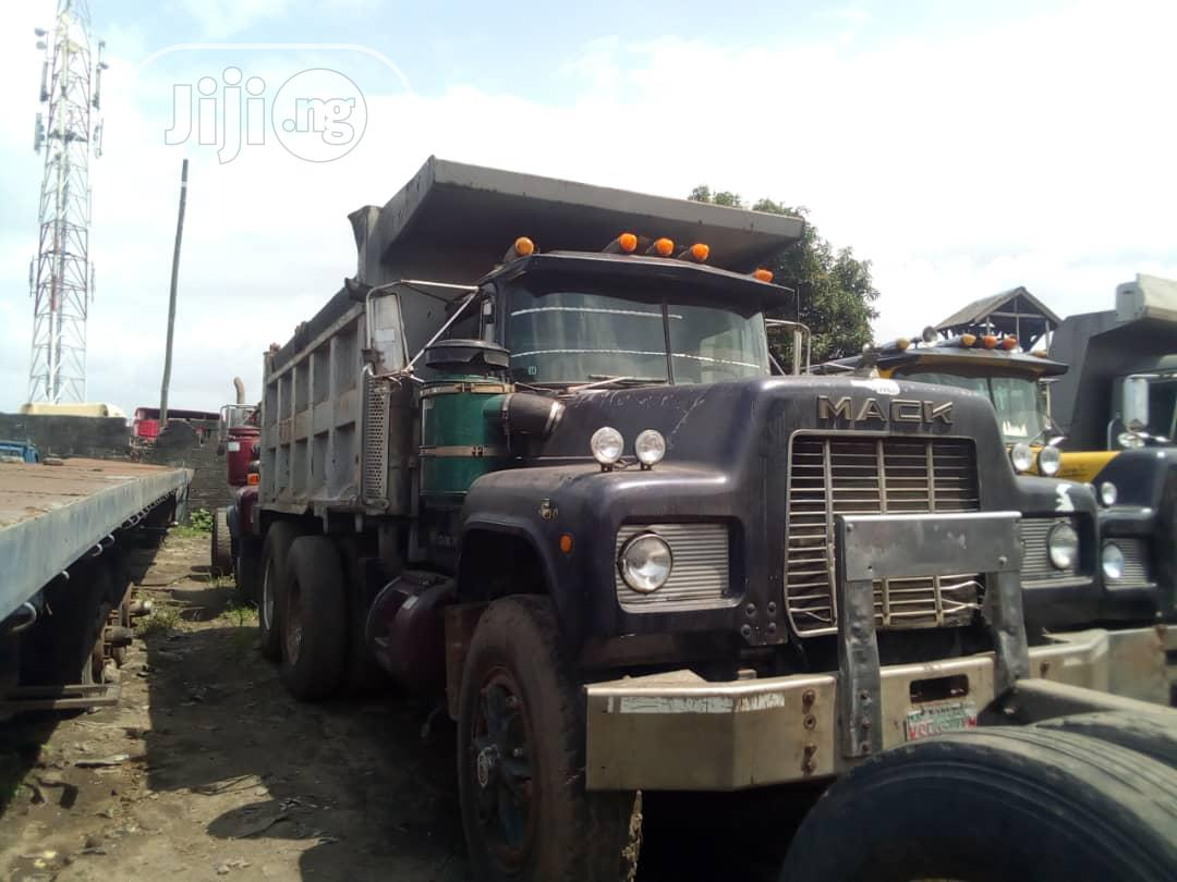 Mack Tippers 2003