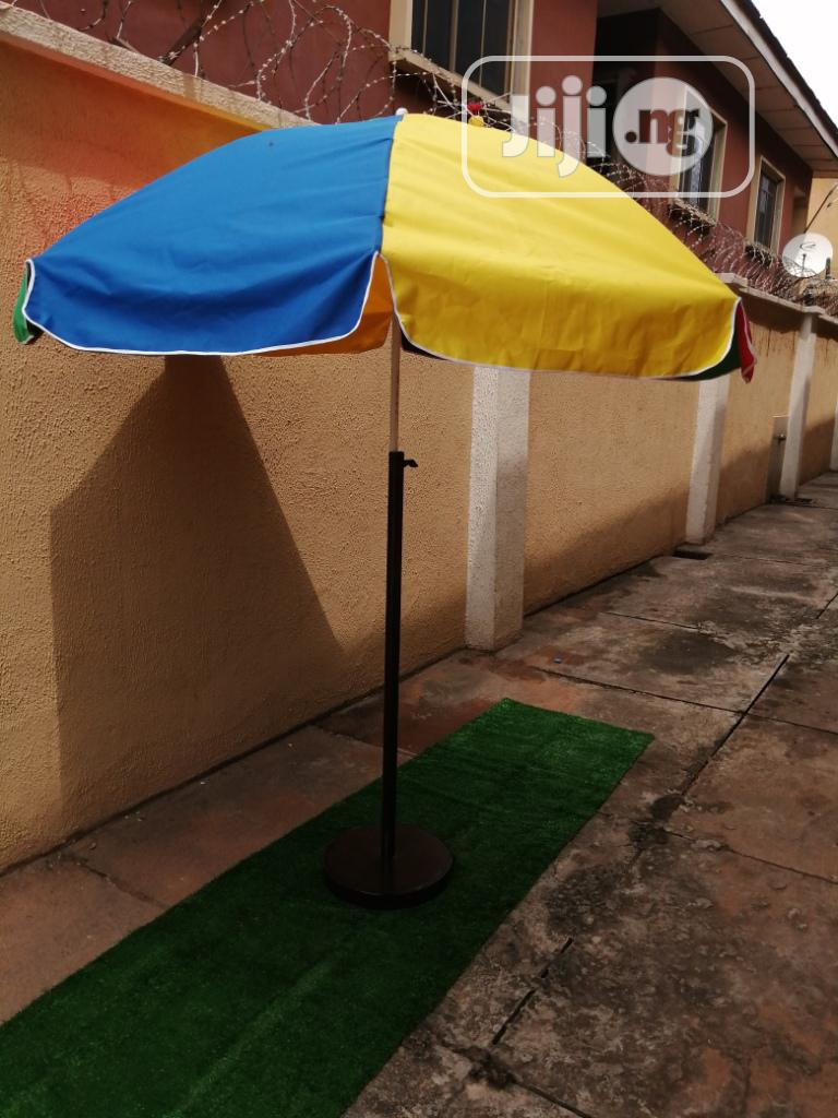 Durable And Quality Stand On Parasol