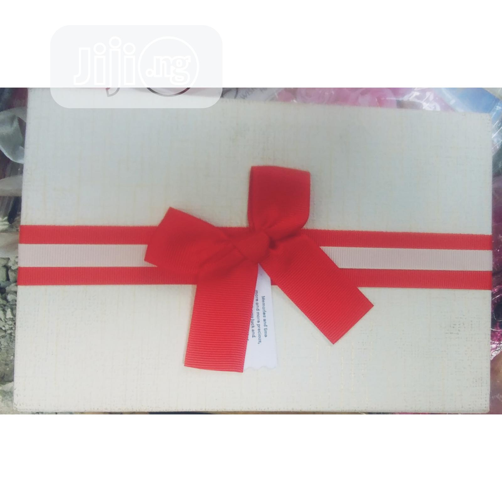 Archive: 2 Piece Gift Box