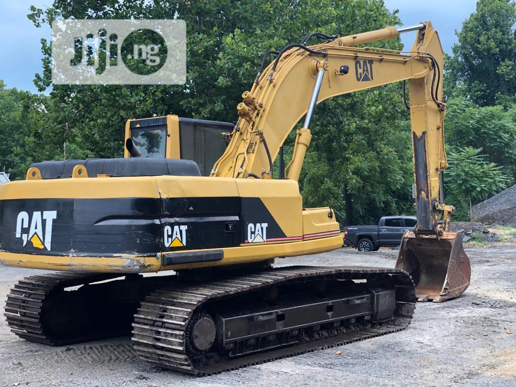Tokunbo 325BL For Urgent Sale   Heavy Equipment for sale in Ikoyi, Lagos State, Nigeria
