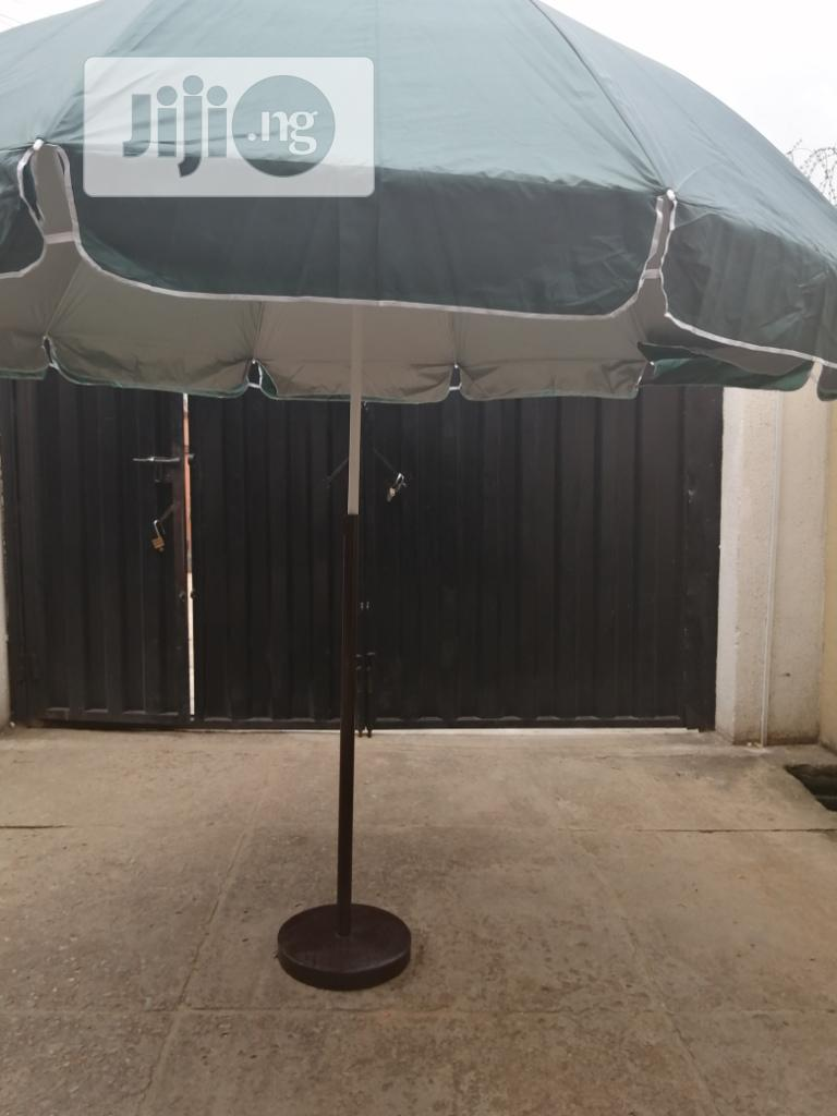 Affordable And Standard Parasol Umbrella With Modern Stand | Manufacturing Services for sale in Ekpoma, Edo State, Nigeria