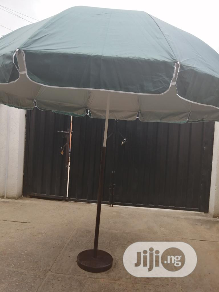 Outdoor Customized Parasol With Modern Stand