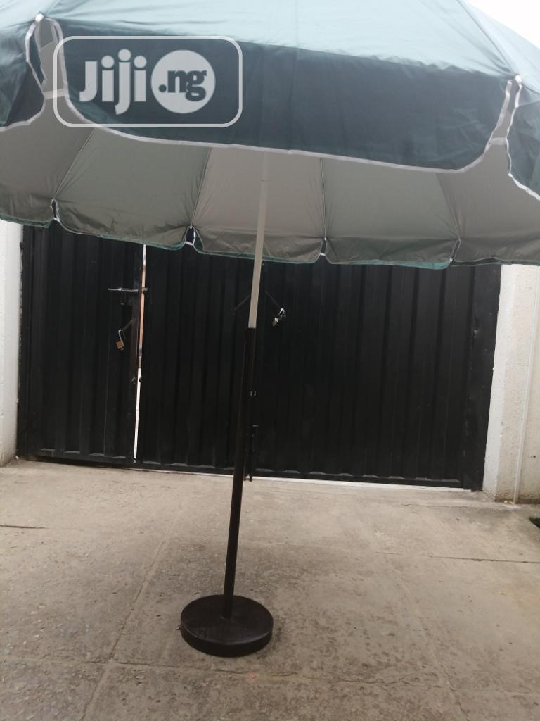 Quality Affordable Parasol Umbrella With Modern Iron Stand