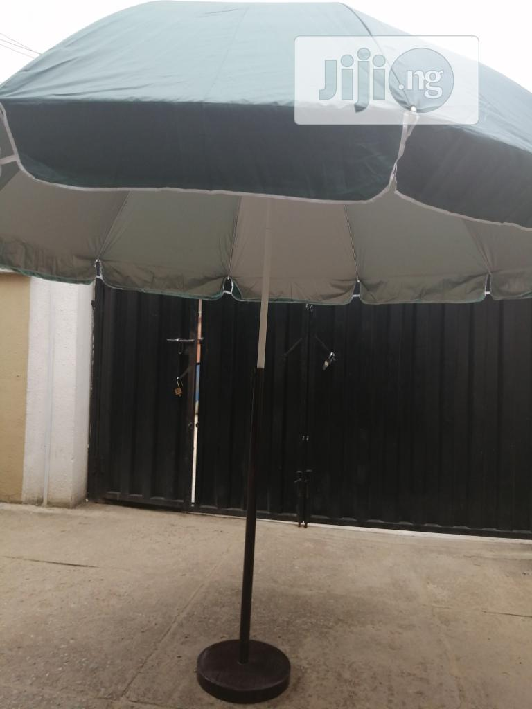 Parasol Umbrella With Quality Modern Stand | Manufacturing Services for sale in Obanliku, Cross River State, Nigeria