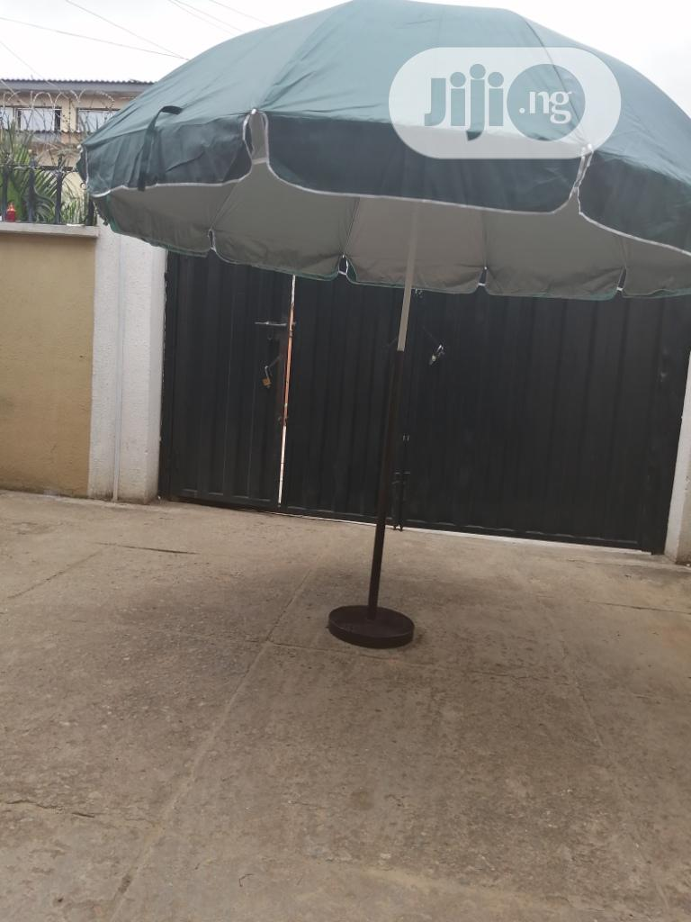 Blue Branded Parasol With Strong Stand | Garden for sale in Abeokuta South, Ogun State, Nigeria