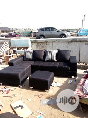 5 Seater L Shape Sofa With Center Ottoman | Furniture for sale in Lagos State, Surulere