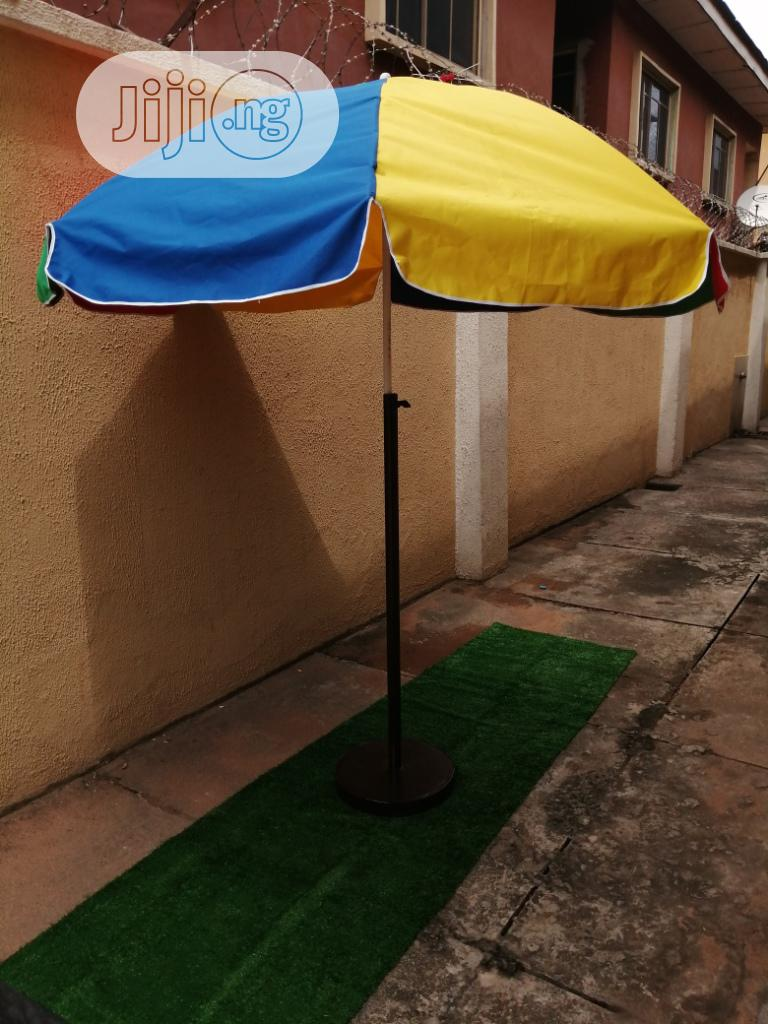 Quality Outdoor Parasol With Modern Stand For Sale | Garden for sale in Langtang North, Plateau State, Nigeria