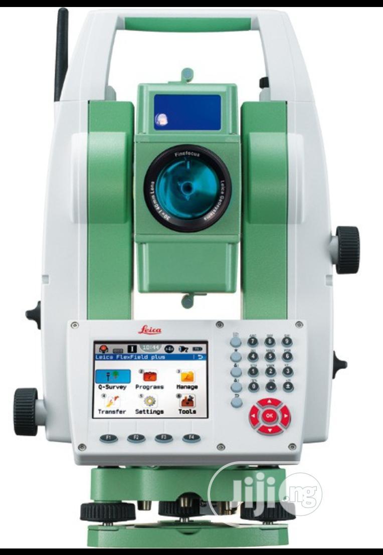 "Leica Flexline TS09 Plus R500 5"""