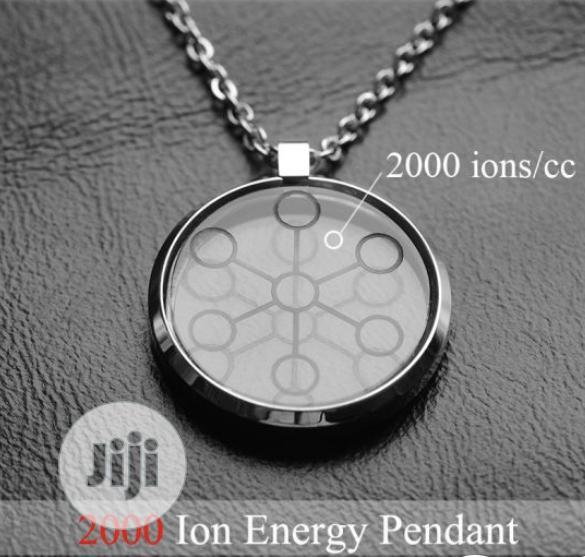 Quantum Chi Pendant