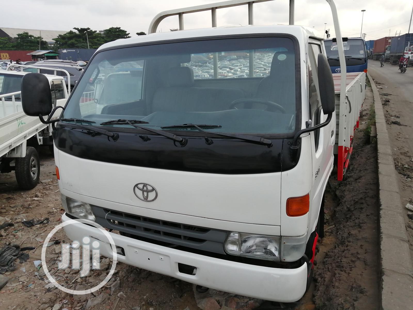 Toyota Dyna 2001 White | Trucks & Trailers for sale in Apapa, Lagos State, Nigeria