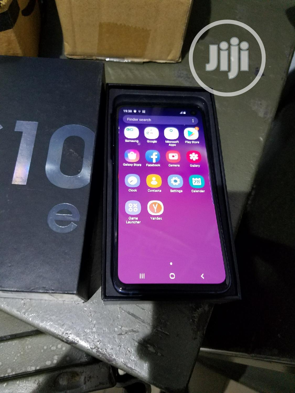 Archive: New Samsung Galaxy S10e 128 GB Black