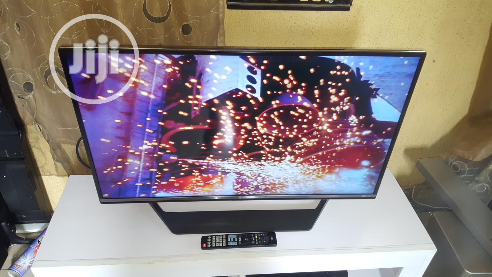 "Ultraslim LG 40"" UHD Ultra 4k Smart With Built-in Wifi And Miracast 