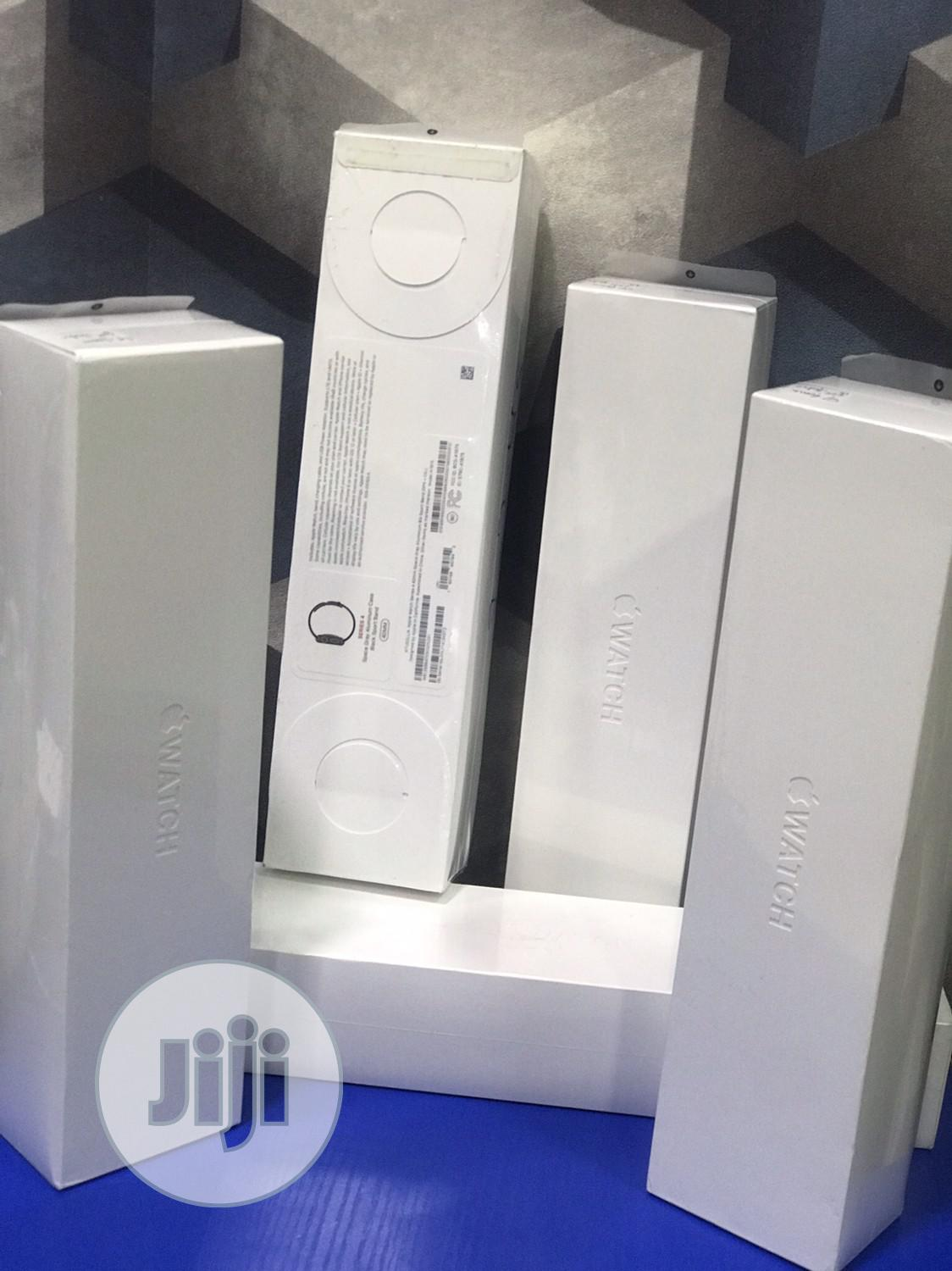 Apple Watch Series 4 40mm   Smart Watches & Trackers for sale in Ikeja, Lagos State, Nigeria