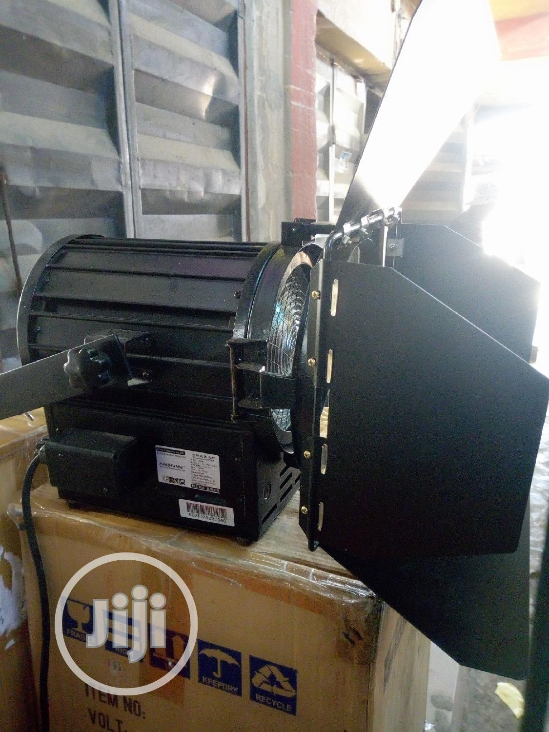 Fresnel Spot Light 1000w With Dimmer And Big Light Stand | Stage Lighting & Effects for sale in Ojo, Lagos State, Nigeria