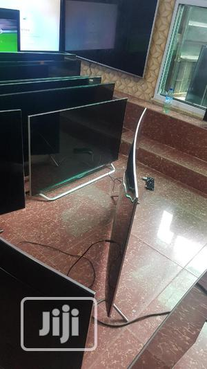 """Ultra Thin 55"""" Curved Samsung Quantum Dot SUHD 4k HDR Enabled Smart TV 