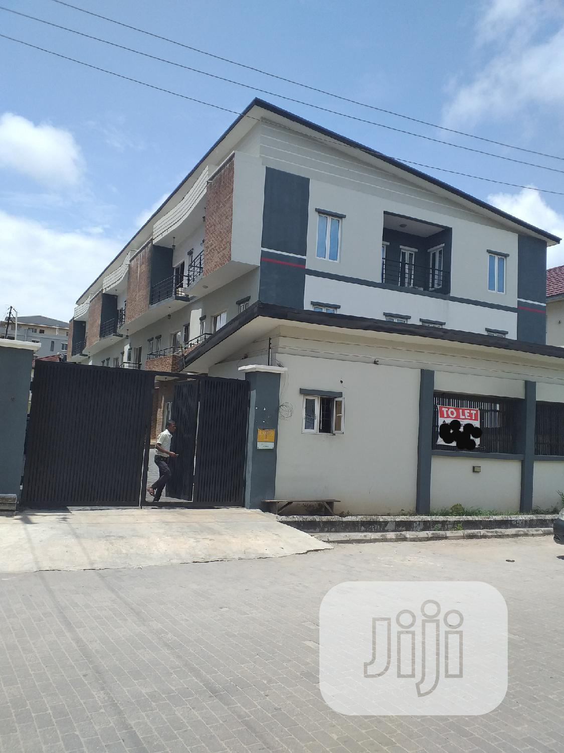 Standard 4 Bedroom Terrace Duplex At Oniru Ikoyi For Rent.