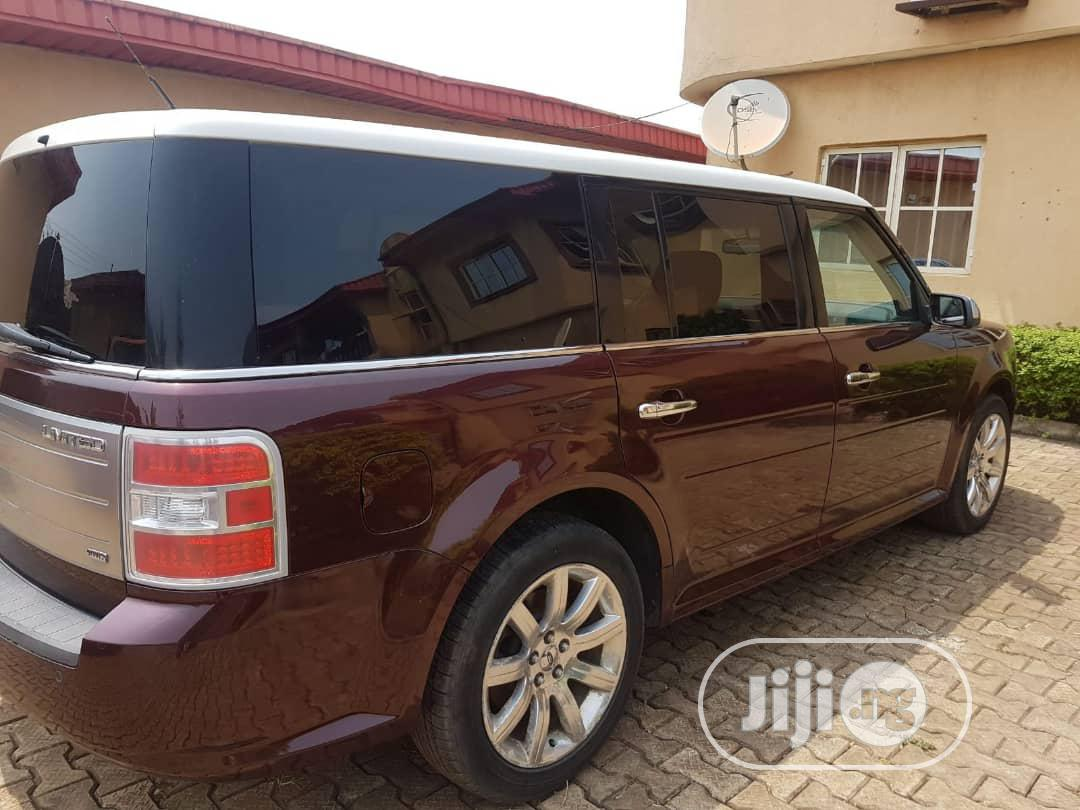 Archive: Ford Flex 2010 Gold