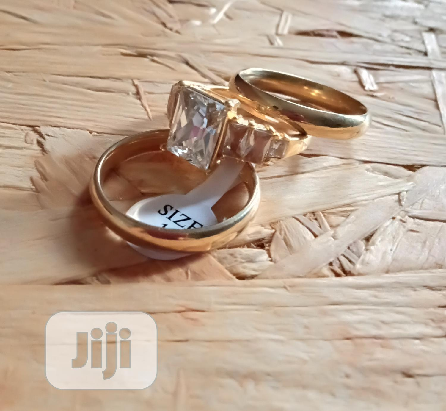 Archive: Wedding Ring With Blings-Gold