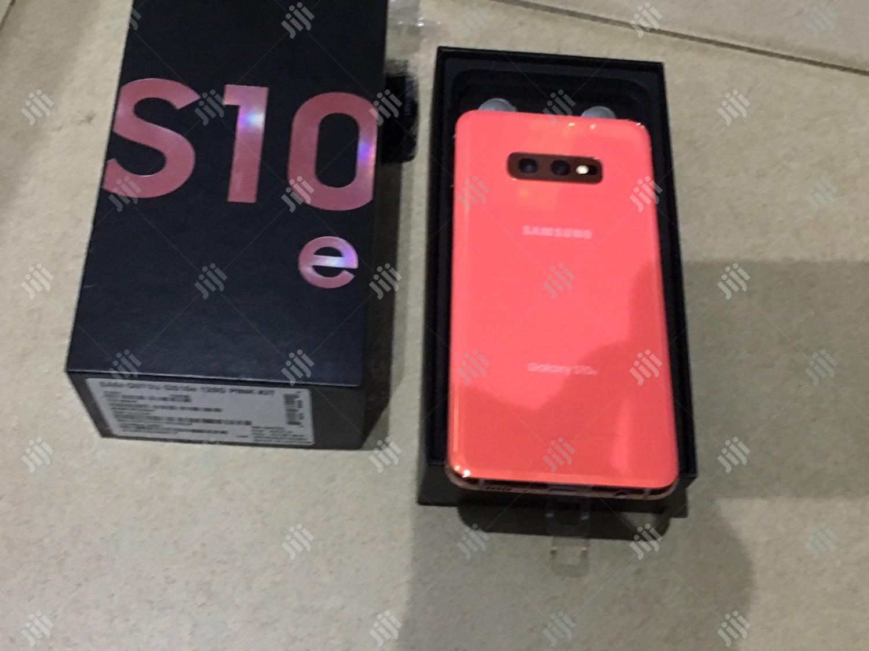 Archive: New Samsung Galaxy S10e 128 GB Pink