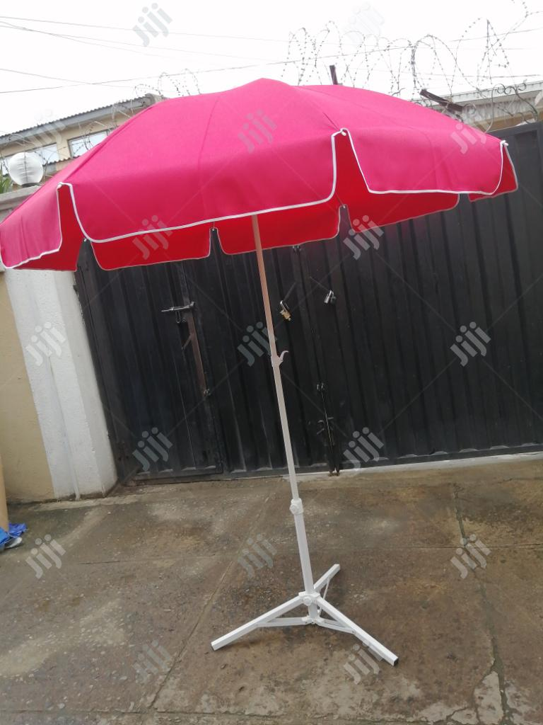 Quality Umbrella With Modern Stand