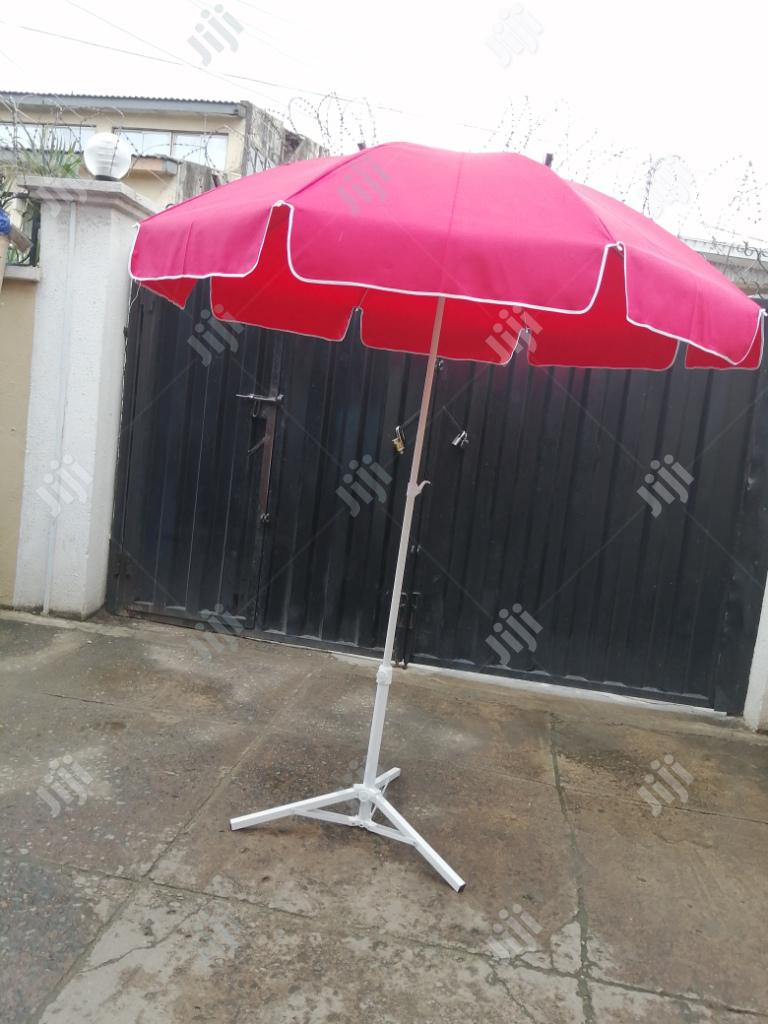Quality Modern Stand With Parasol Umbrella
