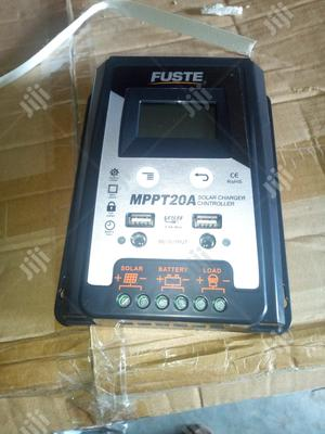/12v,20ahs Mppt Solar Chargeing Controller With One Year Warranty