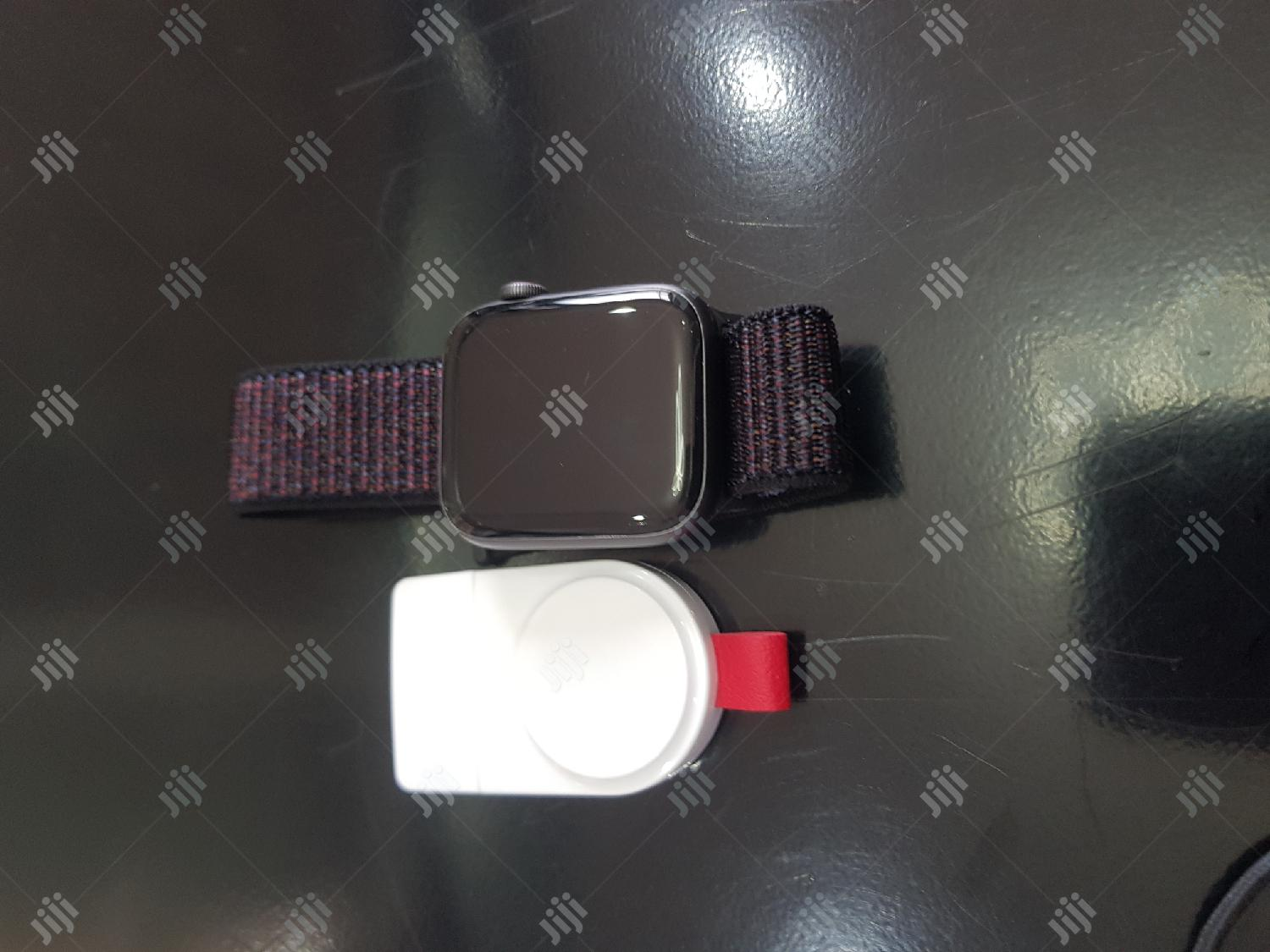 Mint Yankee Used Apple Watch Series 4 44mm Gps + Cellular | Smart Watches & Trackers for sale in Ibadan, Oyo State, Nigeria