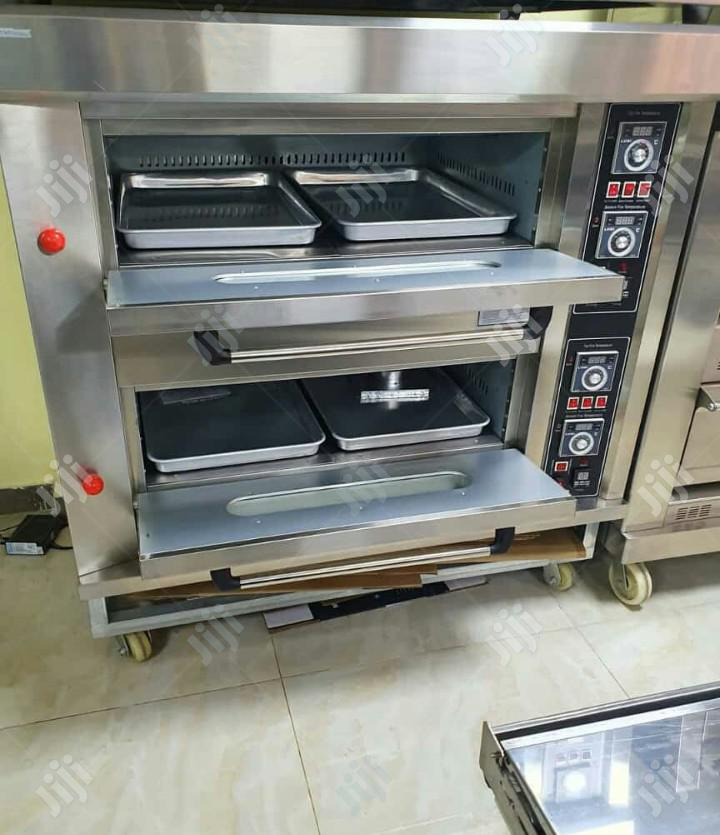 4 Trays Gas Oven