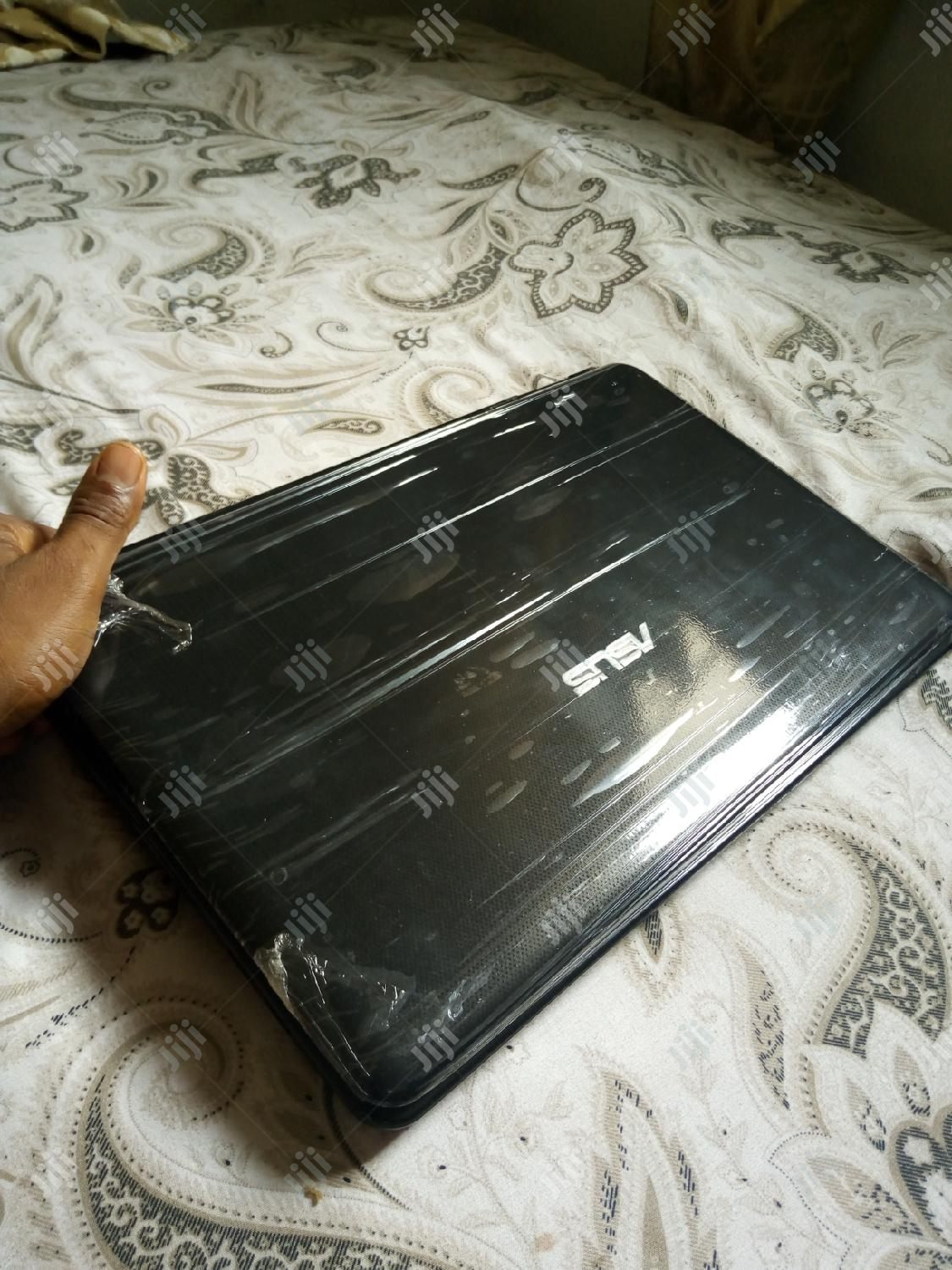 Laptop Asus 4GB AMD HDD 320GB | Laptops & Computers for sale in Lekki, Lagos State, Nigeria