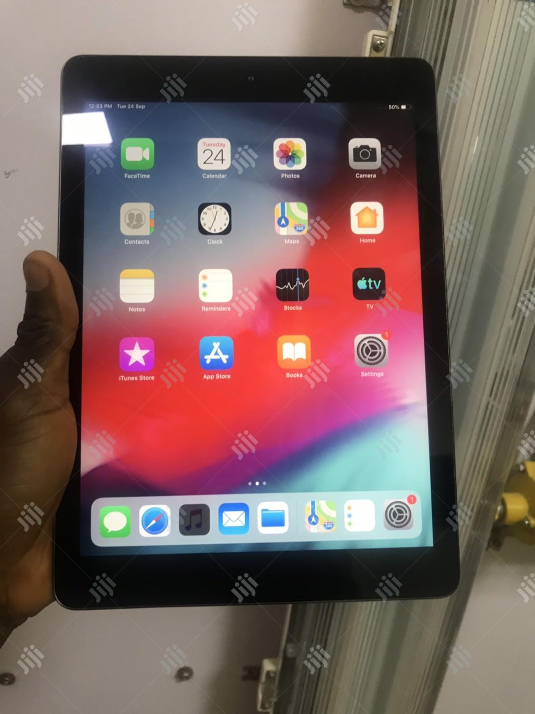 Apple iPad 4 Wi-Fi 128 GB Gray