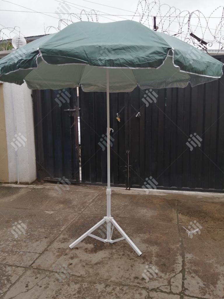 Affordable Modern Stand With Parasol Umbrella