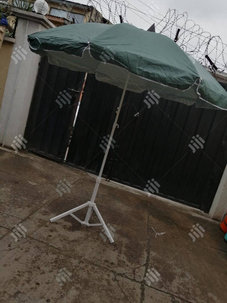 Quality Modern Stand And Parasol Umbrella For Sale