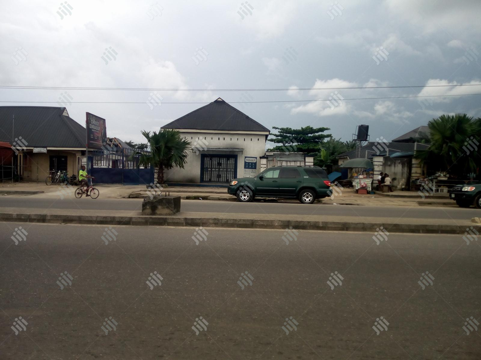 To Let: A Mini Warehouse on Airport Rd Near Rumuokoro | Commercial Property For Rent for sale in Port-Harcourt, Rivers State, Nigeria