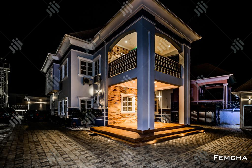 Lovely 5 Bedroom Fully Detached Duplex & 2 Rooms Bq For Sale