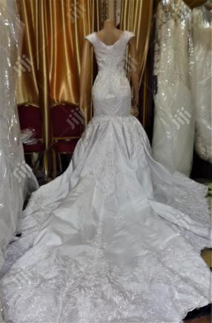 Wedding Gown for Rent With Veil, Basket Robe   Wedding Wear & Accessories for sale in Lagos State, Magodo