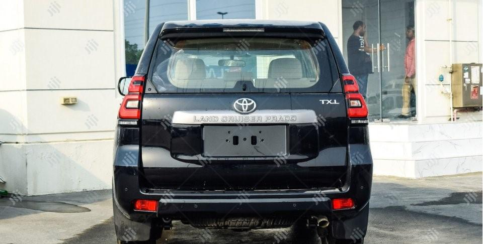 Archive: New Toyota Land Cruiser Prado 2019 Black