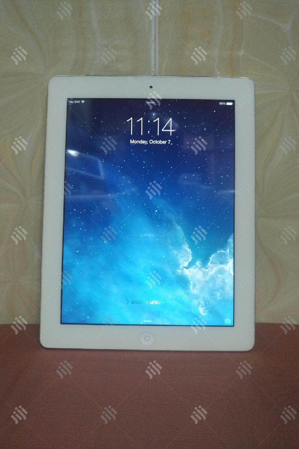 Archive: Apple iPad 4 Wi-Fi + Cellular 32 GB Silver