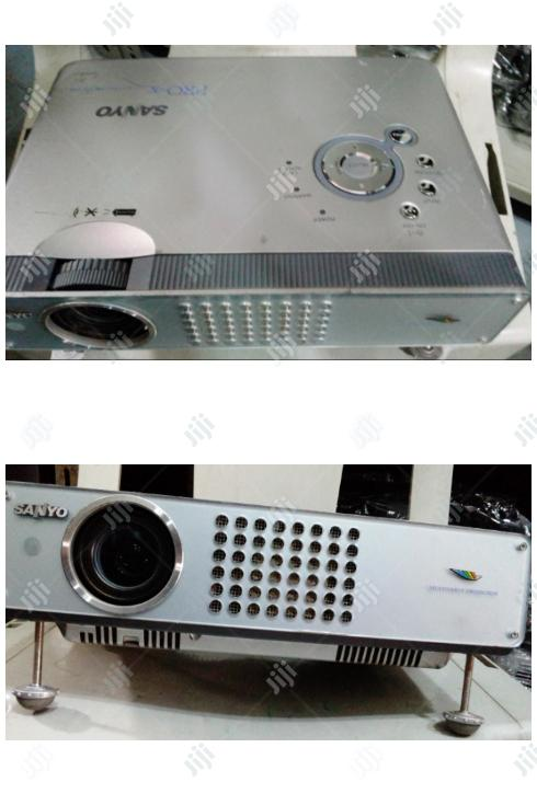Archive: Clean Sanyo Projector