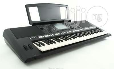 Yamaha Keyboard PRS S750