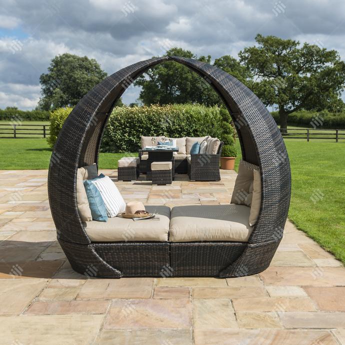 Rattan-woven Garden Daybed Furniture