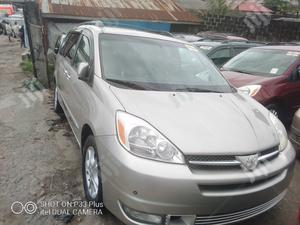 Toyota Sienna 2004 Silver | Cars for sale in Lagos State, Apapa