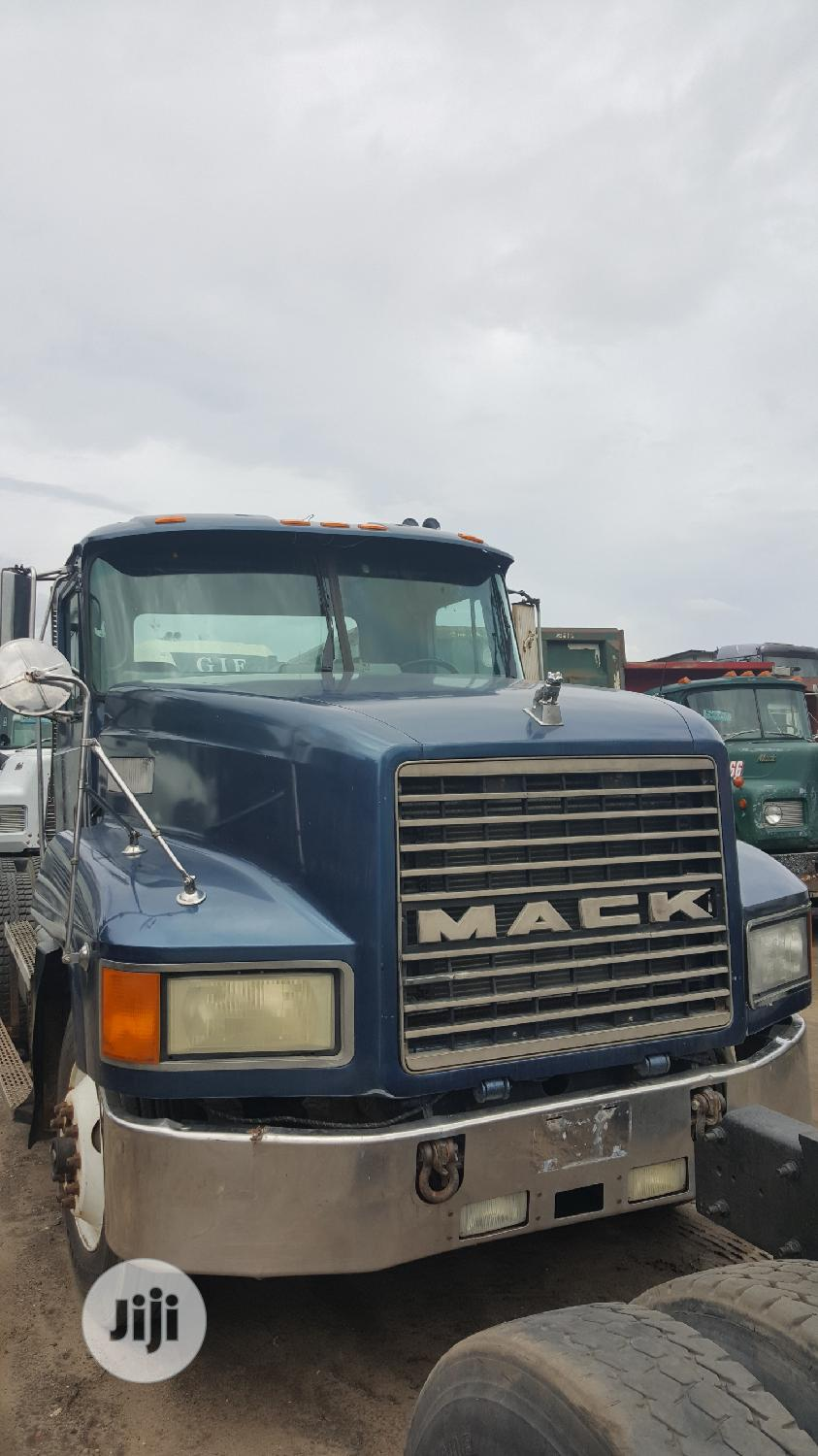 Newly Arrived CH MACK Ten Tyres Trailer Head Truck Superb | Trucks & Trailers for sale in Apapa, Lagos State, Nigeria