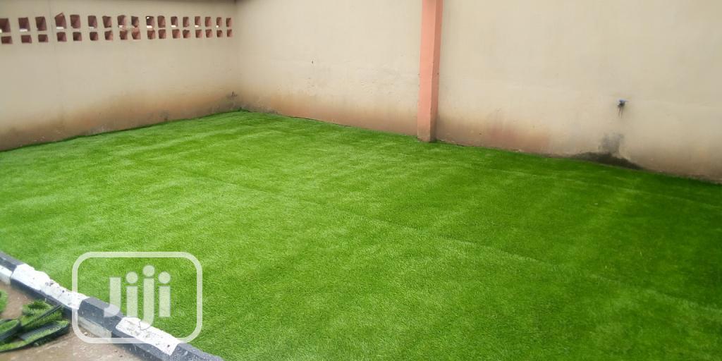 Outdoor Artificial Turf Green Synthetic Grass Carpet