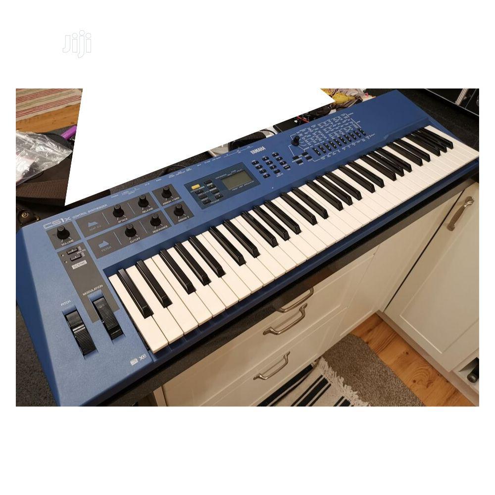 Archive: UK USED Yamaha CS1X Keyboard Synthesizer