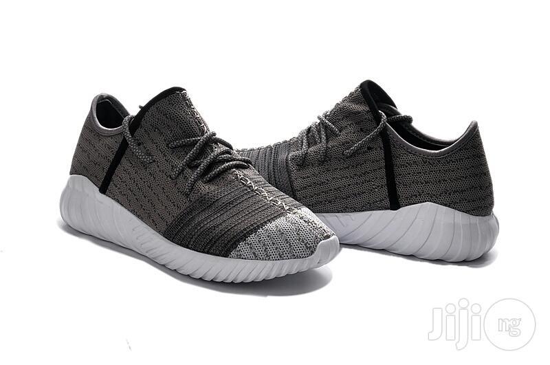 Archive: Adidas Yeezy Boost 550 Black