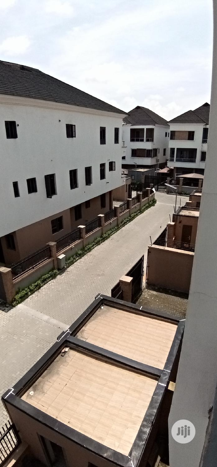 Archive: Newly Built 4 Bedroom Duplex At Ikoyi For Sale.