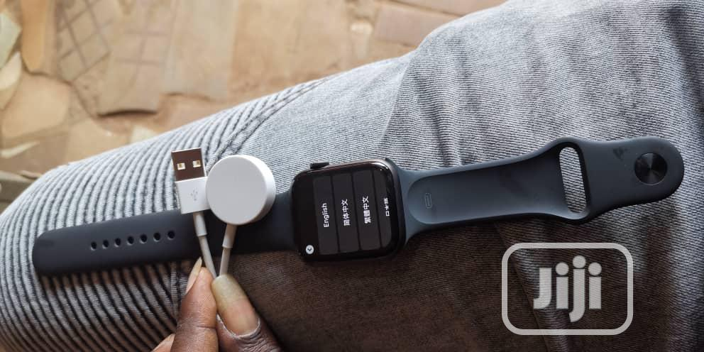Apple Watch Series 4 44mm Gps With Cellular Black Very Neat | Smart Watches & Trackers for sale in Ibadan, Oyo State, Nigeria