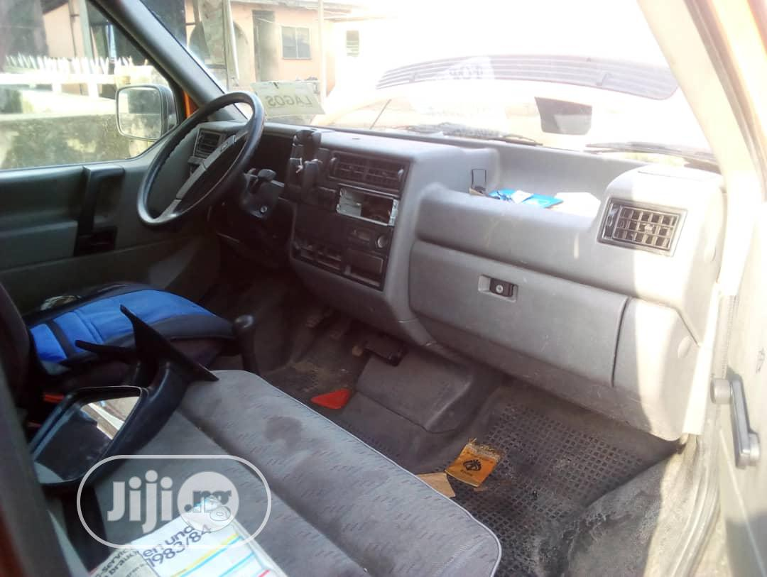 Tokunbo Volkswagen T4 Diesel-engine Long Chassis 2004 | Buses & Microbuses for sale in Surulere, Lagos State, Nigeria