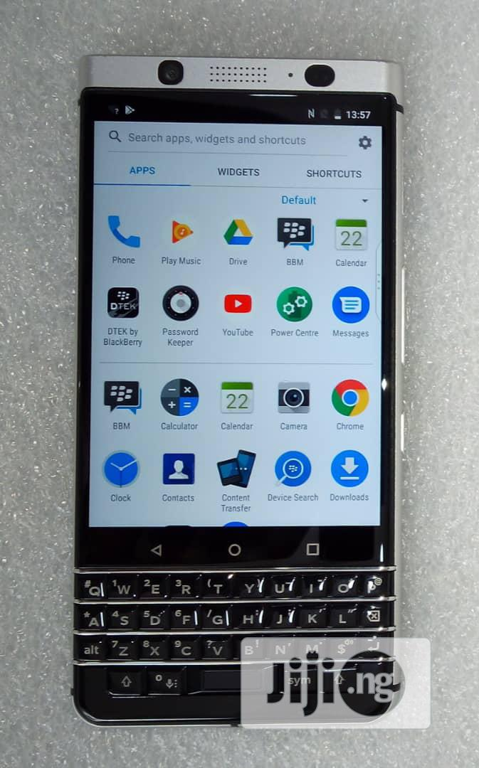 Archive: BlackBerry KEYone 32 GB Black