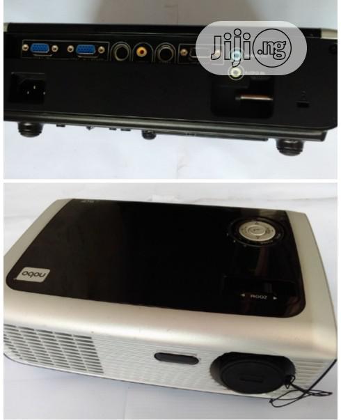 Unique Nobo X28 Projector